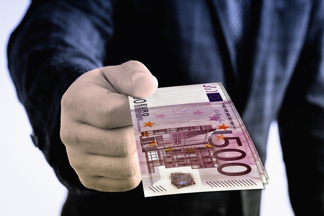 KMU-Finanztipp: So gibt es Geld vom Staat auch ohne Rückzahlung!